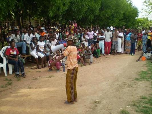 Danyi 2012 Eine Gesundheitsinformantin - Bild schärfer