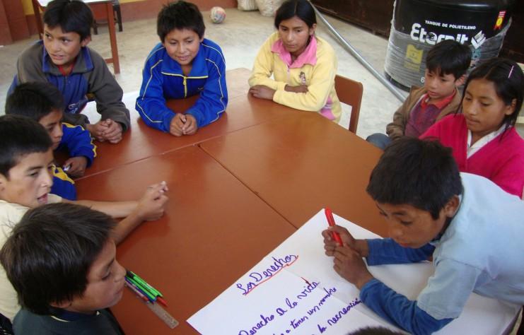 Peru 2009 La Cuesta - Seminar Kinderrechte Arbeitsgruppe in Schule