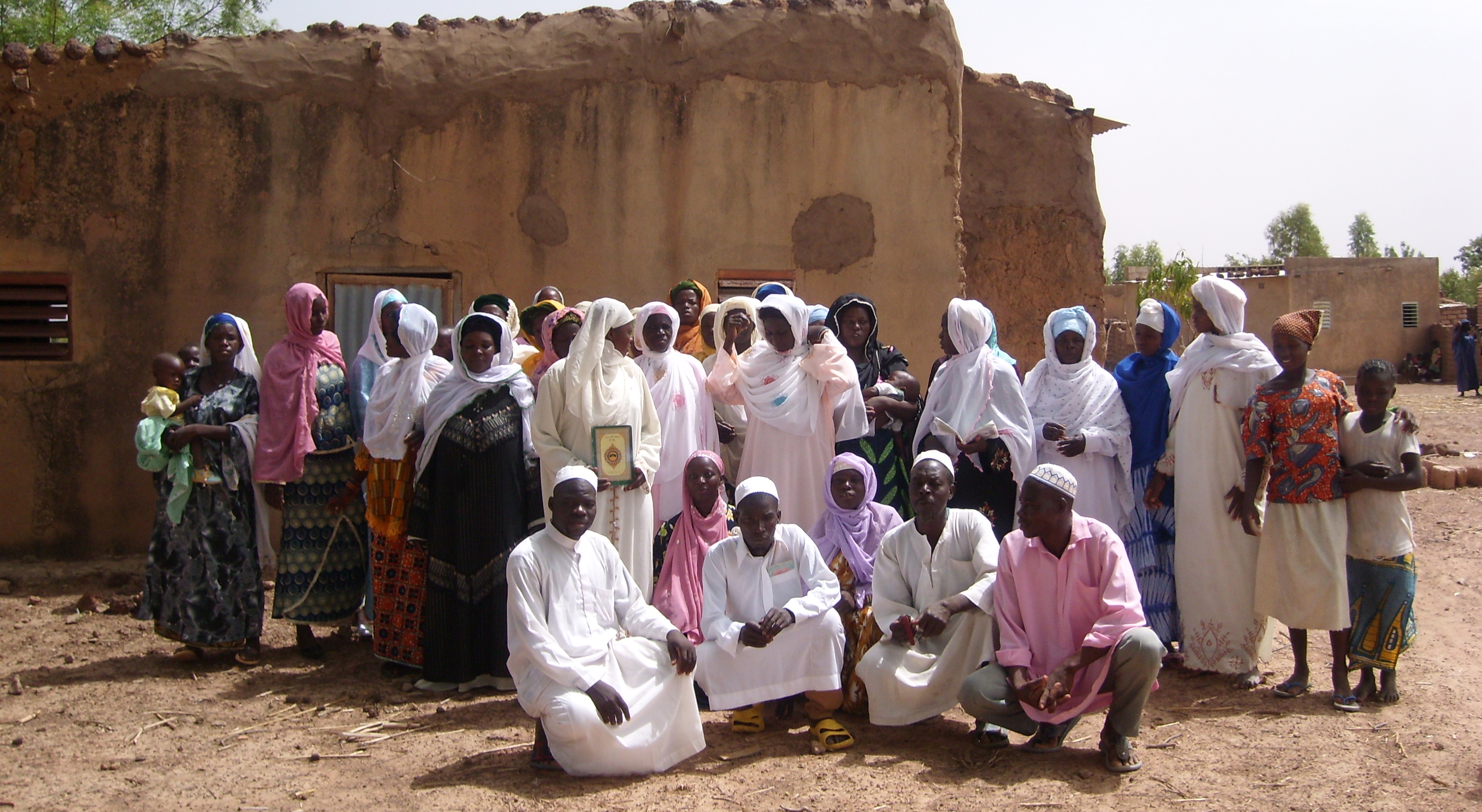 BF 2008 Leute im Dorf - keine Beschn neu