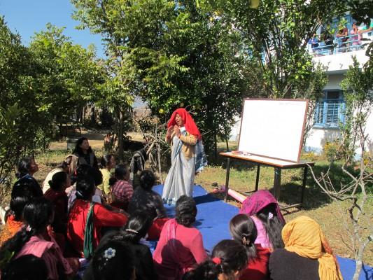 Nepal 2011 - Vortrag über Frauenrechte = Rep 2011 IMG_5115