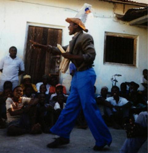 Eine Aufführung der Truppe zur HIV/AIDS-Prävention (Foto: Vera Pieroth)